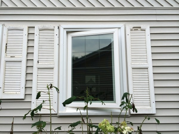 storm-damaged-siding