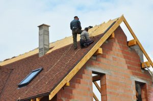 When to Schedule a Roof Replacement with Your Roofer