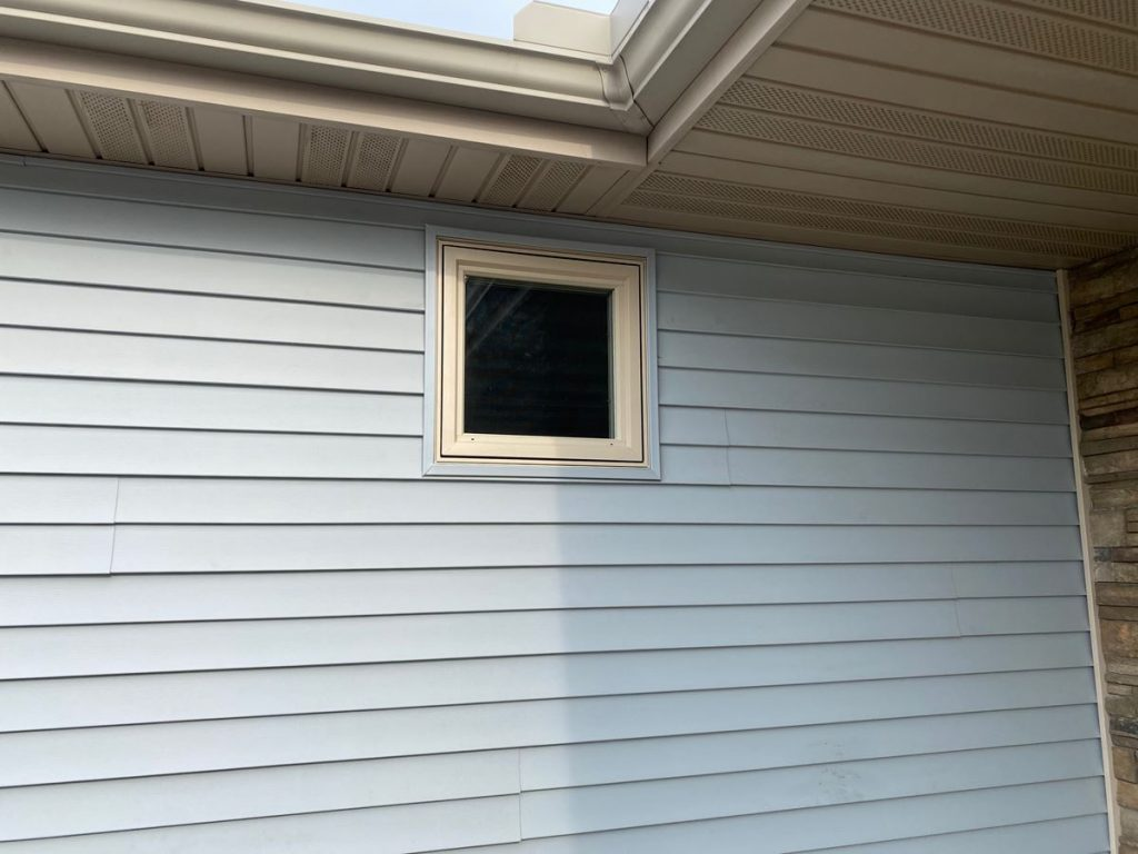 Thermo-Tech Full Frame Window Replacement Contractor in Waupaca