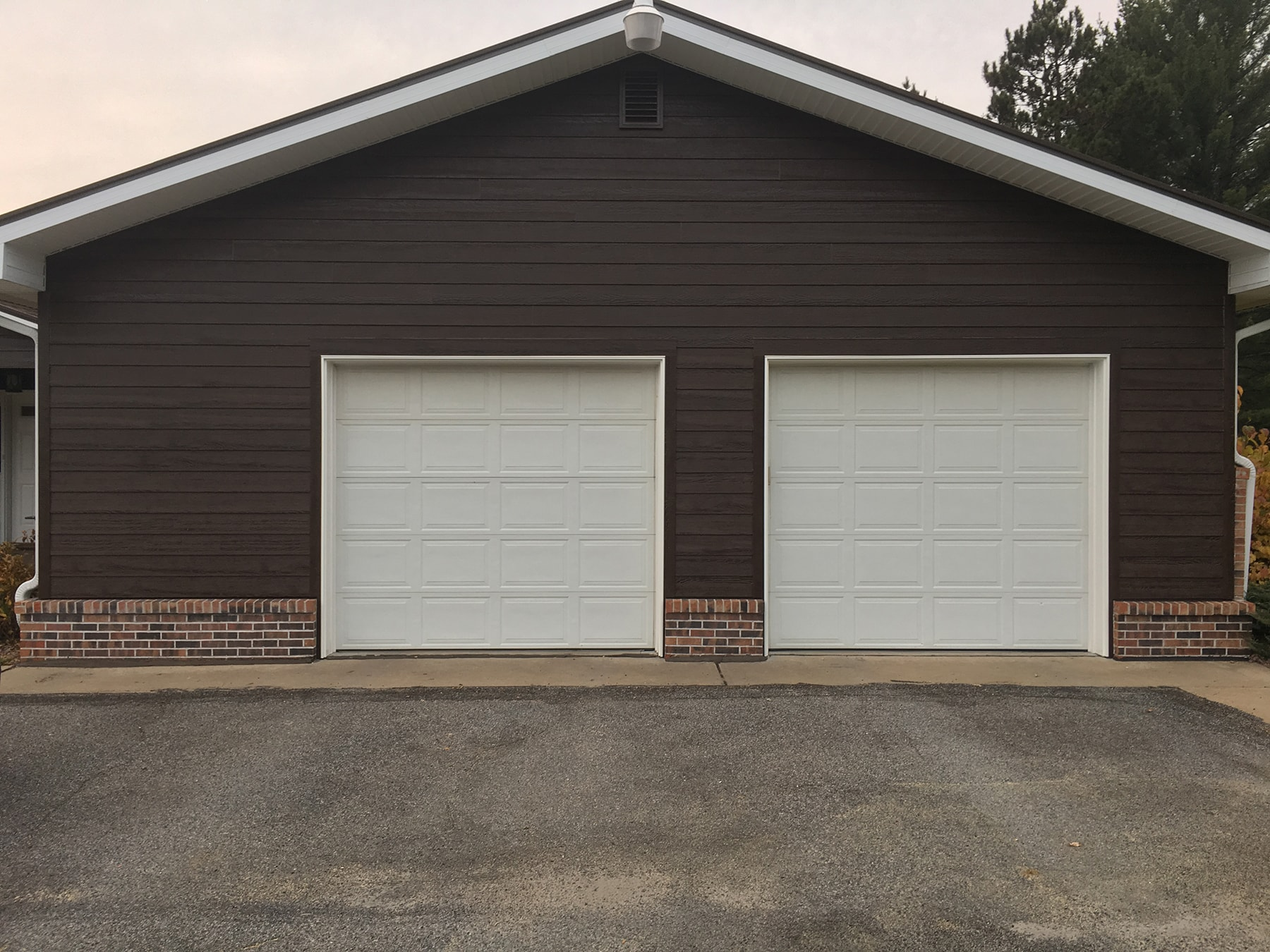 Lp Smartside With Diamond Kote Pre Finish Oakwood Exteriors